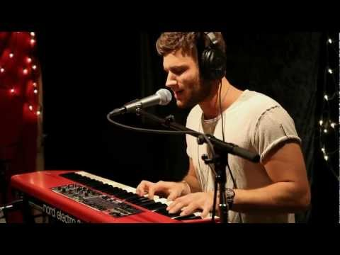 Graffiti6 - Over You (Live on KEXP)