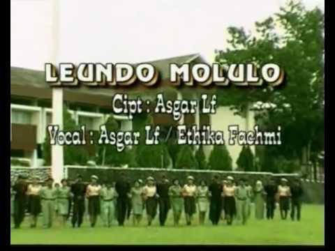 Molulo Clip video