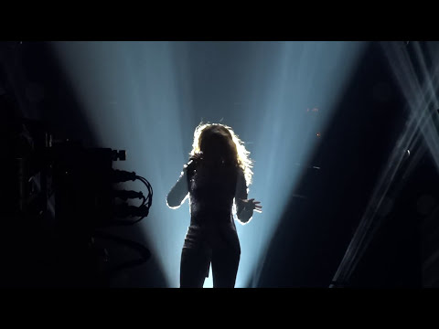 Beyonce - IWALY / Halo (Sportpaleis, Antwerp, Mrs. Carter Show World Tour - FRONT ROW) HD