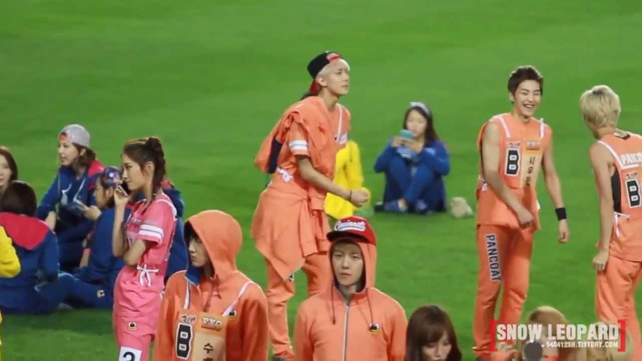 Xiumin And Sehun  EXO  SEHUN XIUMIN
