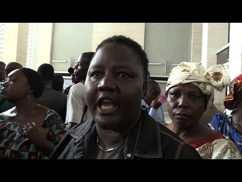 Procès de Simone Gbagbo: bousculades au tribunal