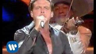 Watch Luis Miguel La Bikina video
