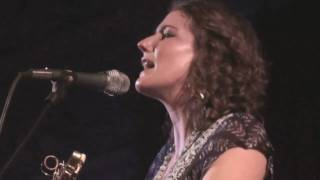 Watch Kathleen Edwards Summerlong video