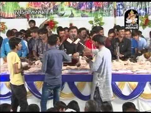 Mogal Aavo Ne Mori Maa | Kirtidan Gadhvi Live Part 2 | Bhaguda...