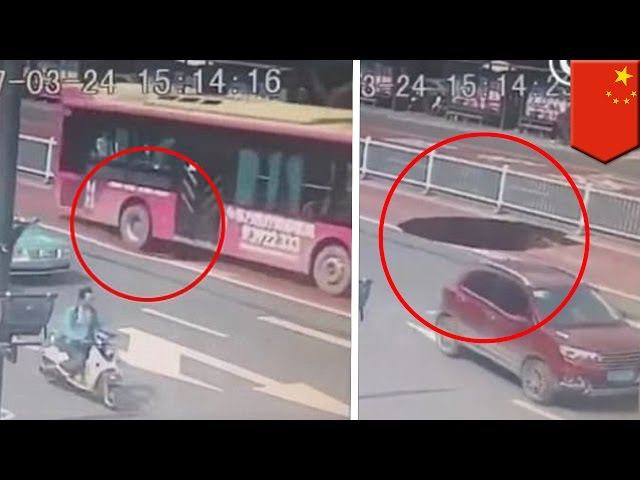 Sinkhole caught on tape: Bus in China nearly swallowed by giant sinkhole - TomoNews