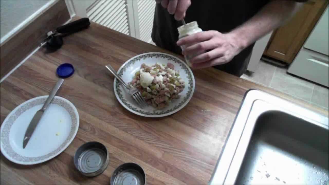 How to make tuna fish salad sandwich youtube for How to make tuna fish with eggs