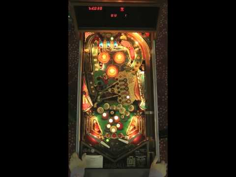 EIGHT BALL DELUXE Pinball Machine (Bally 1981)- PAPA Video Tutorial (Part 1)