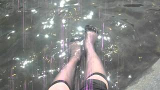 dipping nylon feet in a fountain in Russia - wetlook