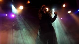 Watch Alison Moyet Falling video
