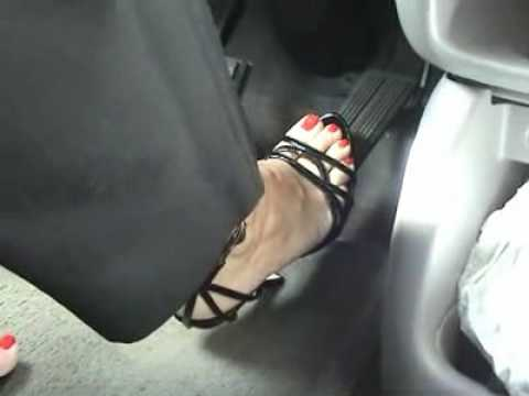 high heeled sandal pedal pumping