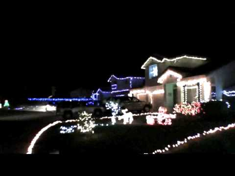 Christmas lights 13 houses set to Little Drummer Boy Music Videos