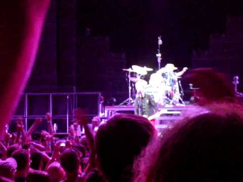 Iron Man/Sweet Child/Highway To Hell- Green Day, Comcast Center, Mansfield, MA 8/16/2010