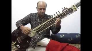 Evergreen Marathi songs played on Sitar by Sanjay Deshpande.