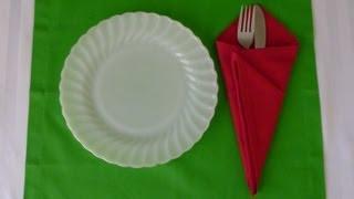 Hur man viker en glass strut av en servett