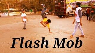 download lagu Himanshu Aftab And Ajay Dance On Road gratis