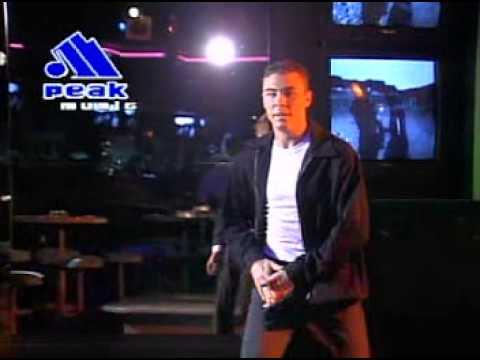 Hues Corporation - I Got Caught Dancing