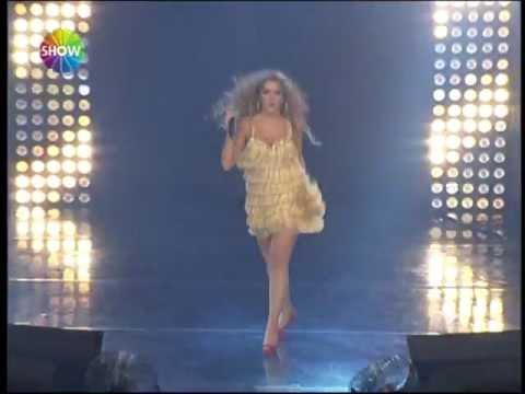 Hadise - Rakkas (Show TV 2012 Yılbaşı Konseri)