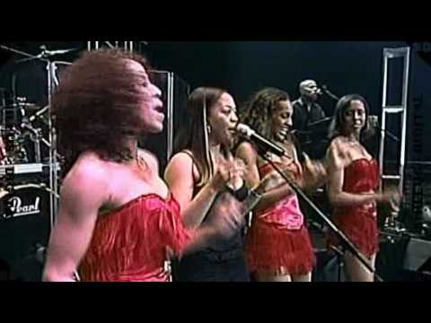 Isley Brothers Live - Twist and Shout - Sexy Dancers