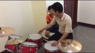 1 Tiết học trống Jazz - ĐỒ RÊ MÍ MUSIC & ART CENTER