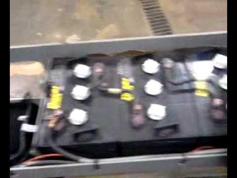 SkyJack 3220 Scissor Lift  M322008   YouTube