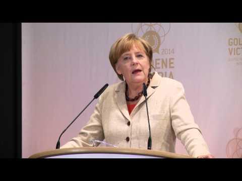 Angela Merkel lobt Miroslav Klose: