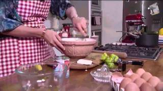 Kirstie Allsopp shows How To Make Key Lime Pie