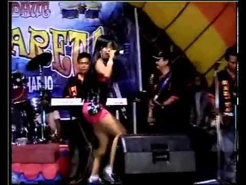 download lagu Capek Deh Iis Sanjaya gratis