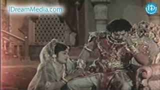 Karna Movie - Sivaji Ganesan, Devika, Savithri Emotional Scene