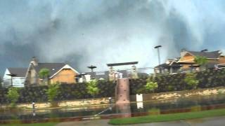 Awesome Footage Tuscaloosa Tornado!! The Retreat. whole video!