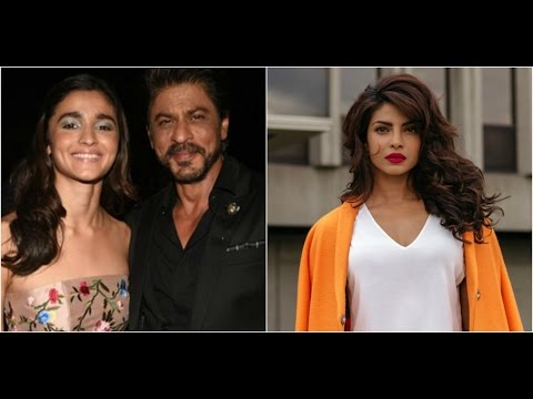 Bollywood Stars Celebrate An Award Night Together | Priyanka Returns To USA
