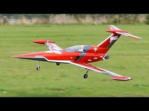 DIAMOND JET FUTURISTIC GIANT RC TURBINE MODEL JET DEMO FLIGHT / Jetpower Messe 2015