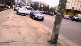 Au făcut parcare din trotuar (bulevardul central, Chișinău)