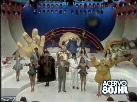 Alexandre Frota canta e realiza sonho maluco no Viva a Noite