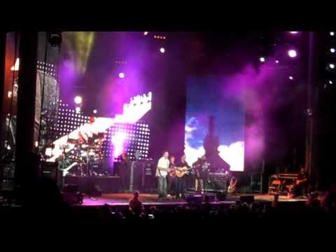 Dave Matthews Band w/ Danny Barnes - Road