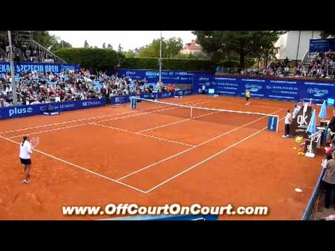 Caroline Wozniacki plays with 14 year old Polish girls PEKAO OPEN Szczecin