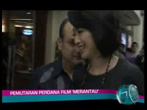 Desy Ratnasari Jalan Bareng Irwan Nonton Film Merantau