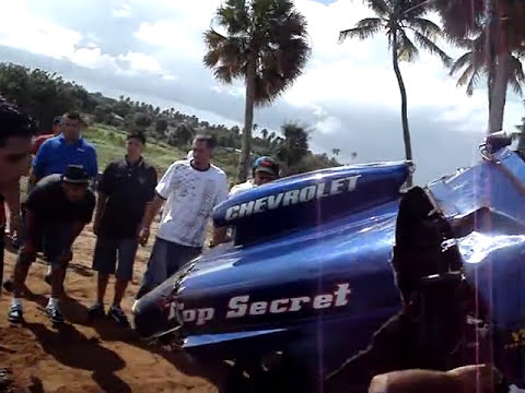ISABELA RACE TRACK  GO KART VS SUZUKI SAMURAI CABALLO LOCO ACIDENTE