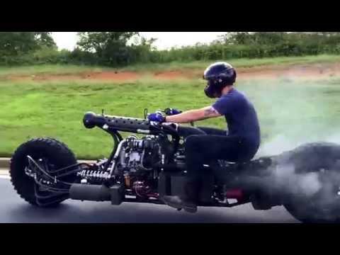 排ガス規制なんて一切無縁なワイルド感!?カッコイイディーゼルターボバイク!