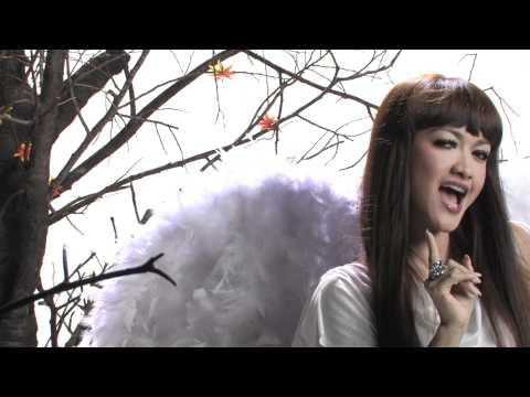 download lagu Julia Perez - Please Call Me   Clip gratis