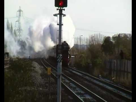 60163 'Tornado' full pelt through Didcot Parkway on 'The Cathedrals Express'