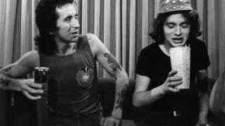 AC/DC Video - AC/DC- Whiskey On The Rocks