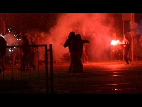 Poland: Police fire rubber bullets at far-right rally