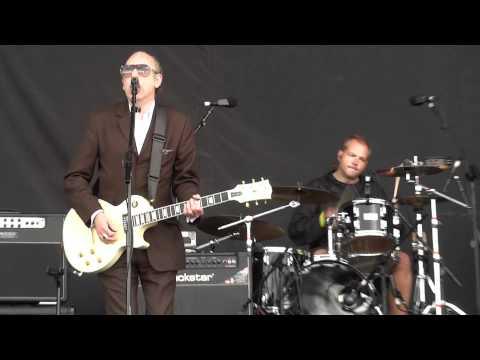 Train In Vain - Mick Jones + Pete Wylie + The Farm - Heaton Park - 1 July 2012