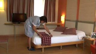 Como hacer una Cama Hotel T3 Tirol Madrid. How to make a Bed