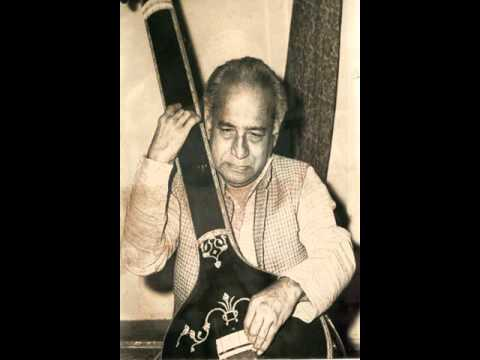 Pandit Vasantrao Deshpande Sings 'kashi Ya Tyaju' video