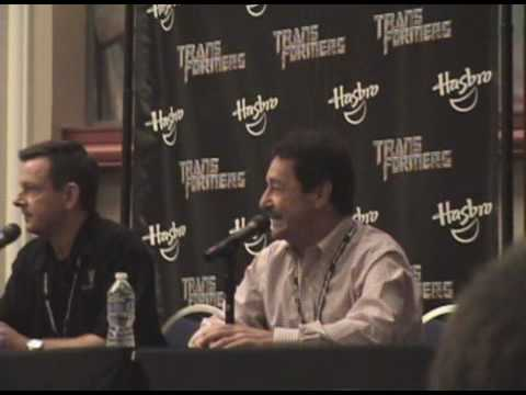 Transformers 3!!!! Optimus Prime Peter Cullen Panel BotCon 2010 Part 1. Amazing!!