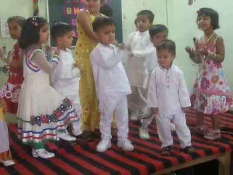 Blooming Buds Karnal kids dancing DESH MERA RANGEELA