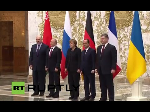 Belarus: Putin, Merkel, Poroshenko, Hollande and Lukashenko pose in Minsk