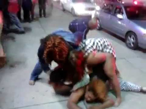 Detroit Fat Women Fight Breaks Out Cars Smashed