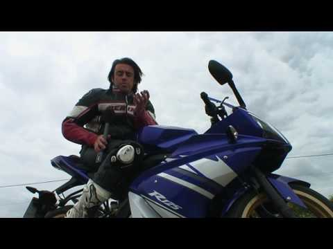 Yamaha YZF-R125 review Video